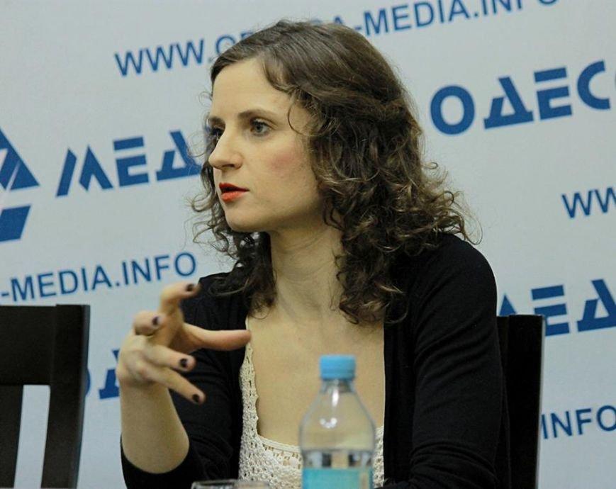 День влюбленных для любителей экстравагантности: фрик-кабаре «DakhDaughtersBand»выступит в Одессе (ФОТО) (фото) - фото 1