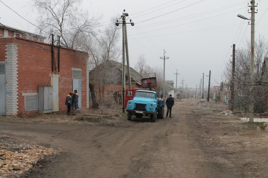 К 12 часам в микрорайоне «Забахмутка» будет восстановлено электро- и газоснабжение. ВИДЕО, фото-8