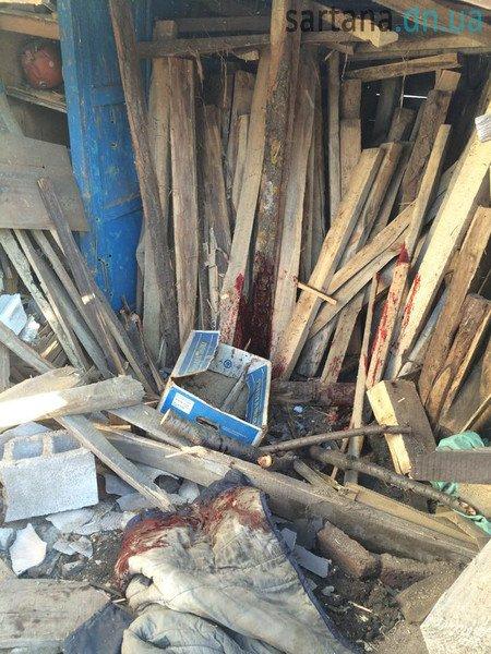 В Мариуполе террористы обстреляли Сартану. Повреждены 3 дома, погиб мужчина (ФОТО, ДОПОЛНЕНО), фото-4