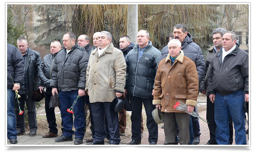 Митинг-реквием по погибшим за пределами страны прошёл в Славянске (фото) - фото 3