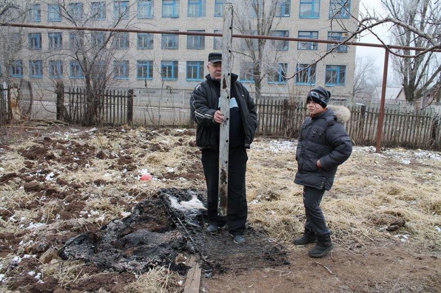 Жители микрорайона «Забахмутка» Артемовска приходят в себя после вчерашнего обстрела, фото-6
