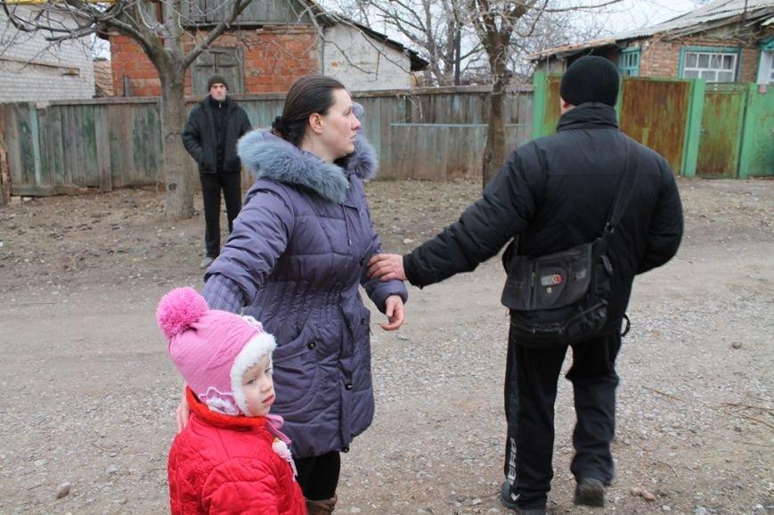 Жители микрорайона «Забахмутка» Артемовска приходят в себя после вчерашнего обстрела, фото-9