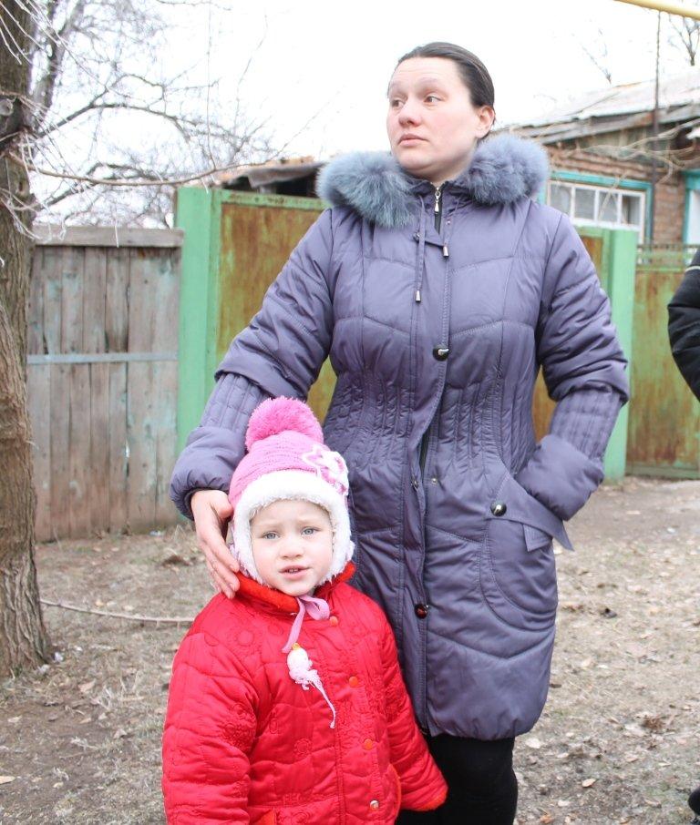 Жители микрорайона «Забахмутка» Артемовска приходят в себя после вчерашнего обстрела, фото-8