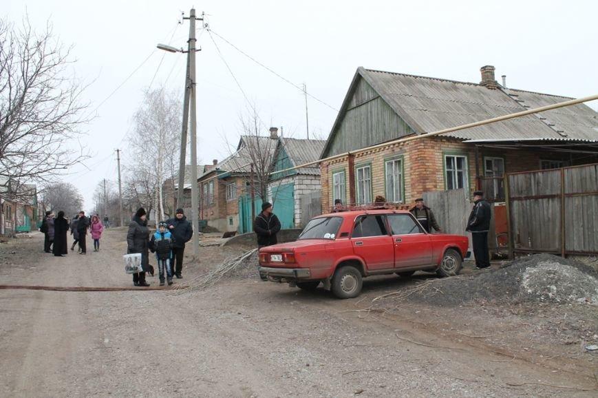 Жители микрорайона «Забахмутка» Артемовска приходят в себя после вчерашнего обстрела, фото-2