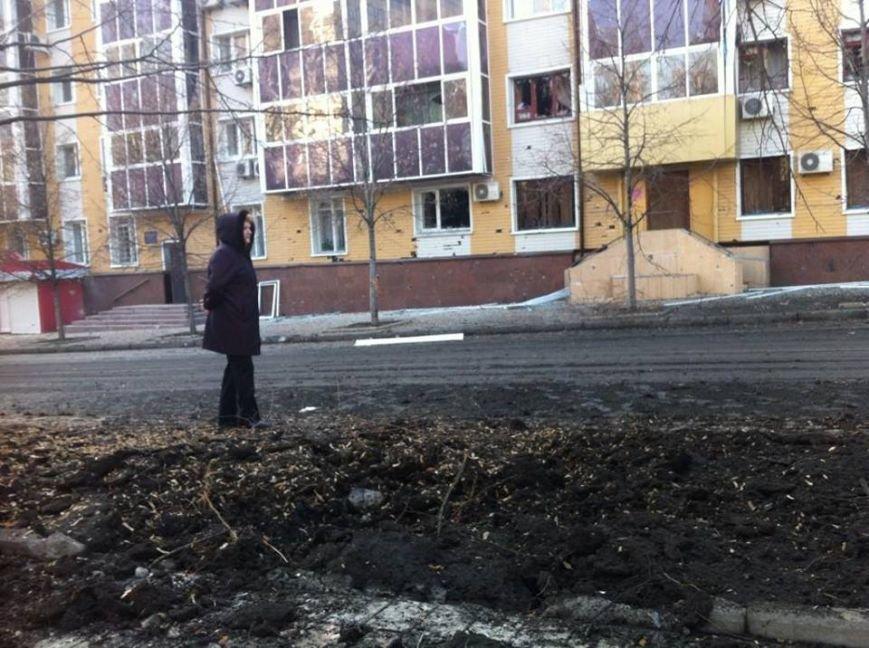 В центре Донецка рвутся снаряды - есть пострадавшие (ФОТО), фото-2