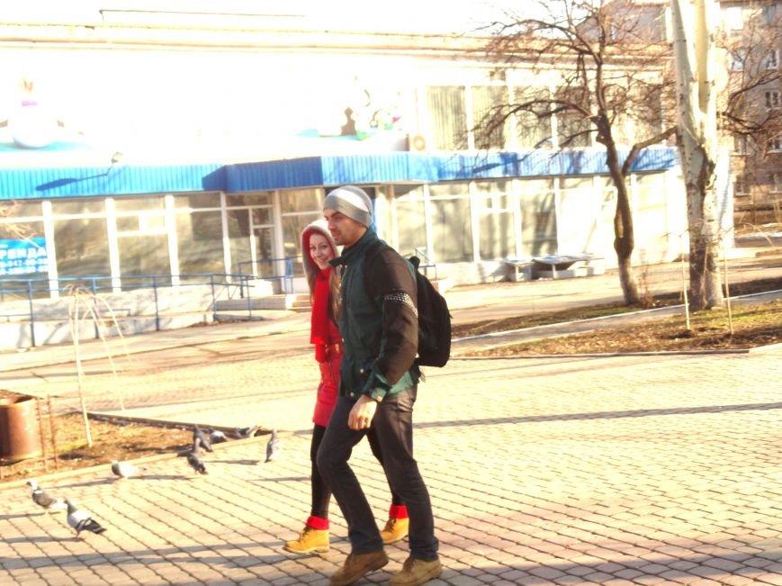 Мариуполь. День святого Валентина под разрывы снарядов (ФОТОПРОЕКТ) (фото) - фото 1