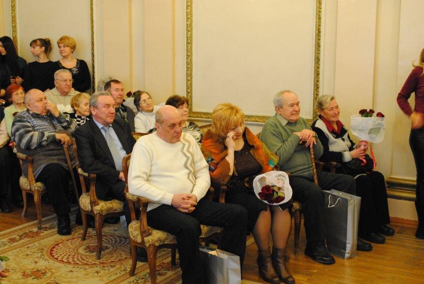 В Харькове супружеские пары, которые прожили более сорока лет вместе, вновь пошли под венец (ФОТО+ВИДЕО), фото-11