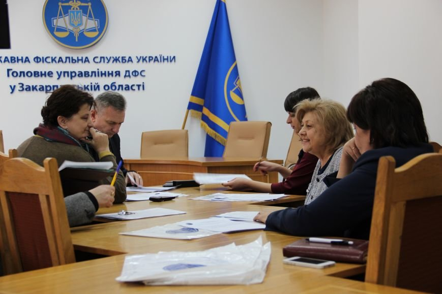 Хто він, сумлінний платник податків у Закарпатській області? (ФОТО) (фото) - фото 1