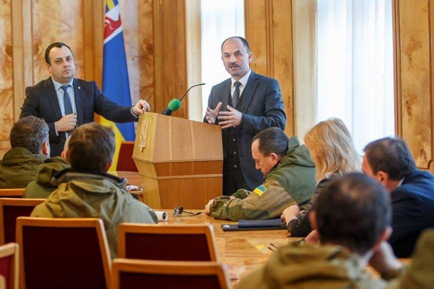 В Ужгороді Голова ОДА Василь Губаль говорив з воїнами-інтернаціоналістами про військові та мирні речі (ФОТО), фото-3