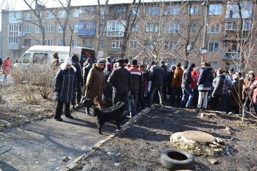 Волонтеры доставили в Авдеевку еще 250 наборов от чешской организации «Человек в беде» (фото), фото-2