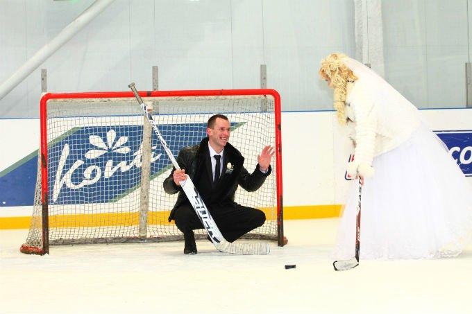 Краматорские хоккеисты играли … на свадьбе (фото) - фото 1