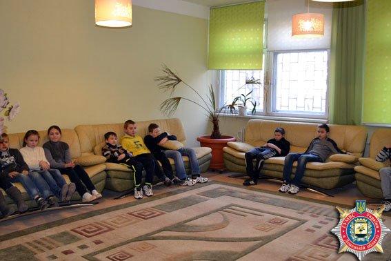 Детей из Авдеевки познакомили с новыми методиками обучения в современной днепропетровской школе «Планета счастья» (фото) (фото) - фото 2