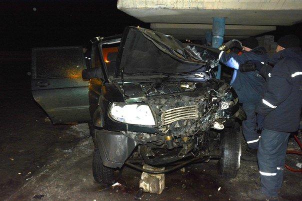 В Днепродзержинске, в результате ночного ДТП на остановке «Речной порт» погиб человек (фото) - фото 1