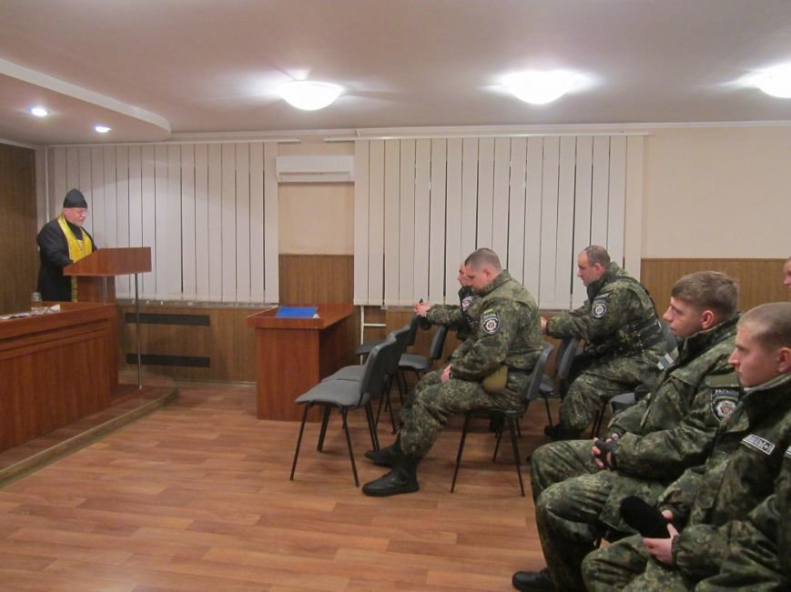 7 Днепродзержинских милиционеров уехали в зону АТО, фото-1