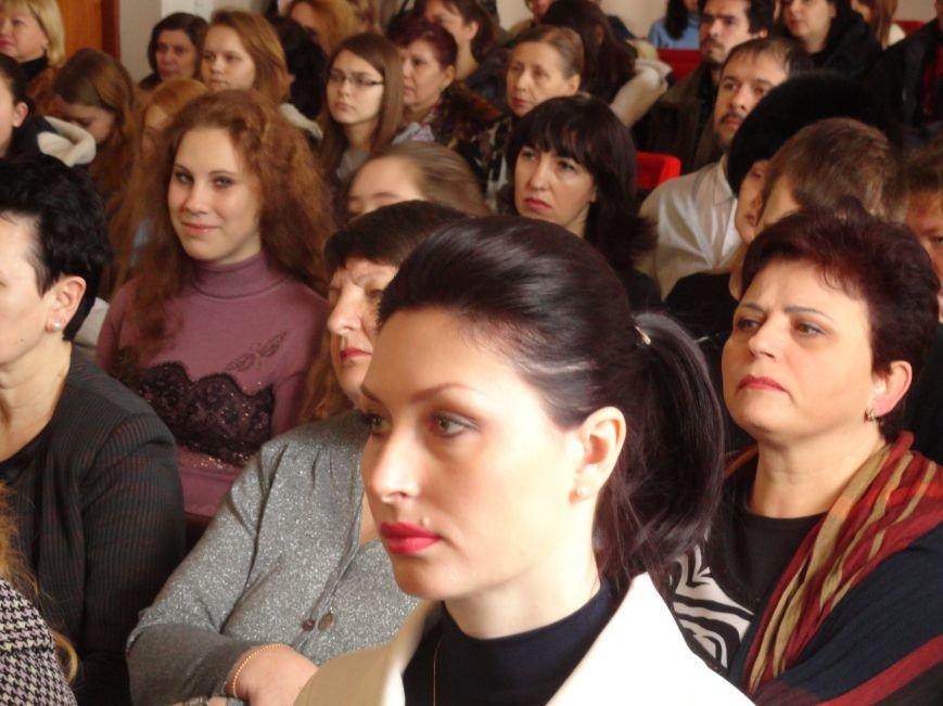 В Мариуполе побывал депутат, не допустивший в раду радикальную Ирину Фареон (ФОТОРЕПОРТАЖ)) (фото) - фото 1