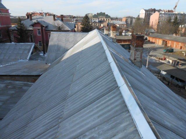 На роботи з проведення капітального ремонту покрівлі СІЗО витратили 996,5 тис. грн (фото) - фото 2