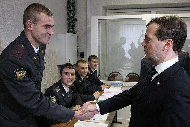 УМВД России по г. о. Домодедово приглашает на обучение молодёжь (фото) - фото 1