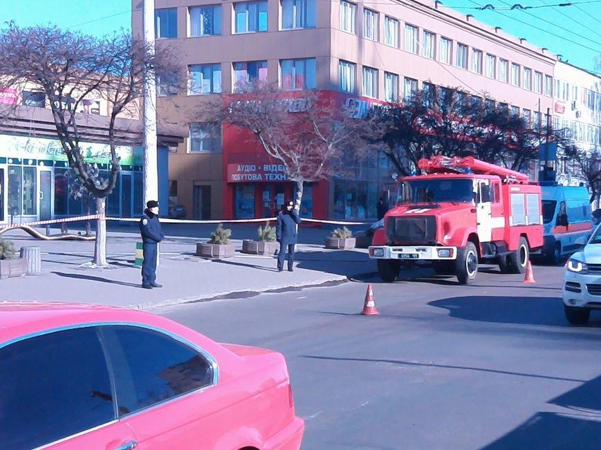 У Житомирі людей евакуювали із ТРЦ «Глобал» (ФОТО), фото-3
