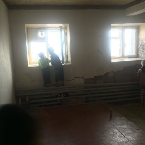 В Мариуполе место пристанища для беженцев сегодня требует спасения(Фоторепортаж) (фото) - фото 2