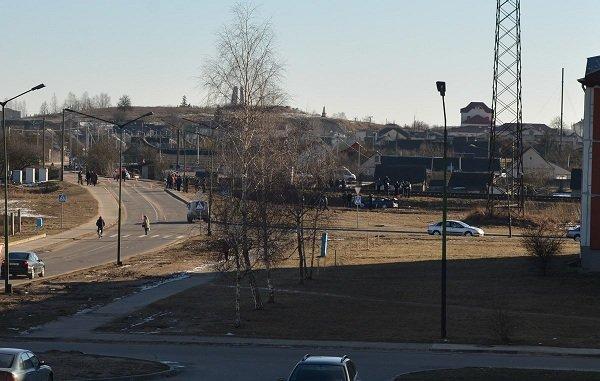 В Зельве грузовой поезд протаранил легковушку: водителя и его отца отправили в больницу (Фото) (фото) - фото 2