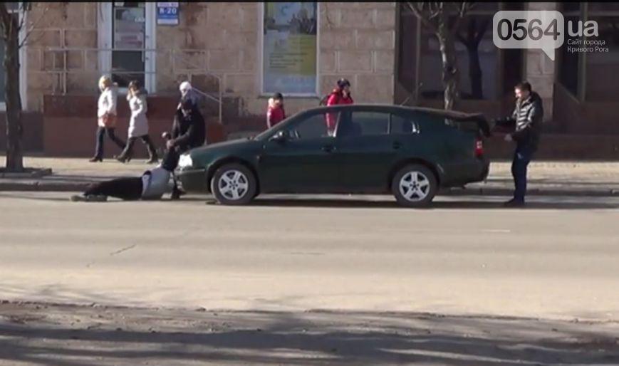 В Кривом Роге активисты проверили состояние бомбоубежищ, священники сдали кровь раненым бойцам, умер радиоведущий Сергей Галибин (фото) - фото 4