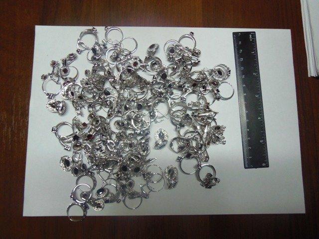 На Херсонщине пресечена контрабанда серебра (фото) (фото) - фото 5