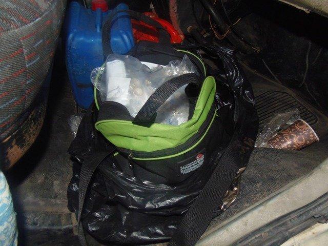 На Херсонщине пресечена контрабанда серебра (фото) (фото) - фото 2