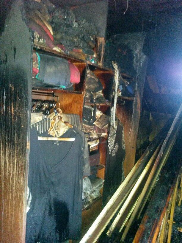 В Мариуполе неизвестные заперли в подвале депутата горсовета и сожгли его дом (ФОТО, ДОПОЛНЕНО), фото-4