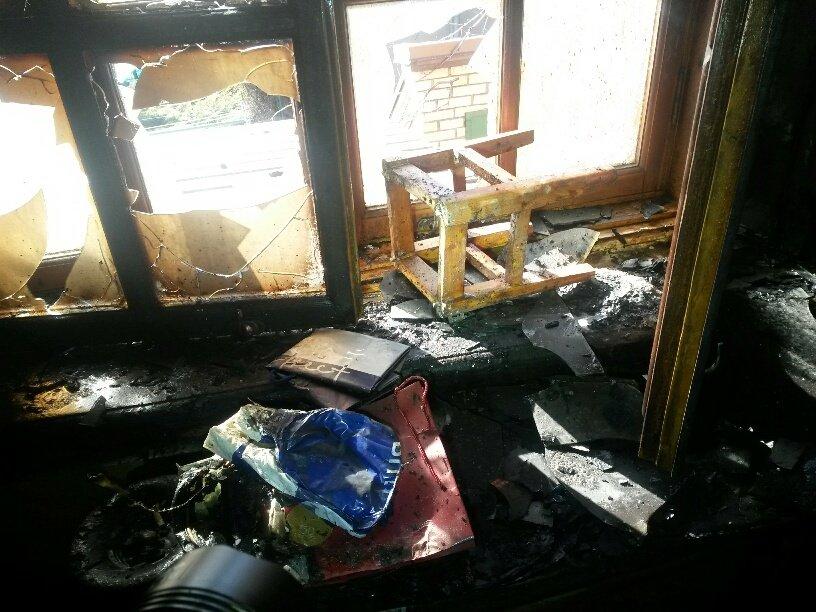 В Мариуполе неизвестные заперли в подвале депутата горсовета и сожгли его дом (ФОТО, ДОПОЛНЕНО), фото-13