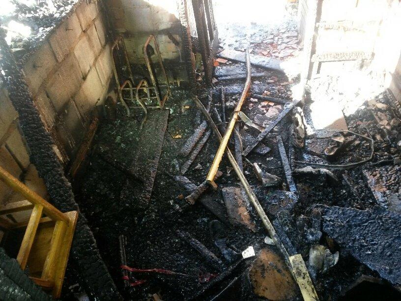 В Мариуполе неизвестные заперли в подвале депутата горсовета и сожгли его дом (ФОТО, ДОПОЛНЕНО), фото-10