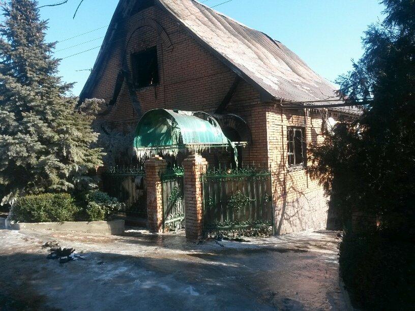 В Мариуполе неизвестные заперли в подвале депутата горсовета и сожгли его дом (ФОТО, ДОПОЛНЕНО), фото-8