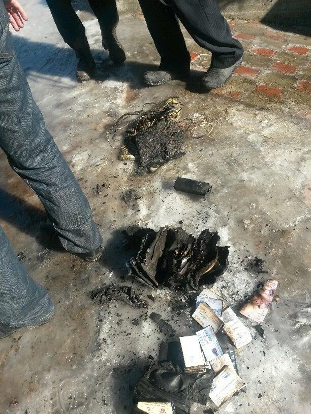 В Мариуполе неизвестные заперли в подвале депутата горсовета и сожгли его дом (ФОТО, ДОПОЛНЕНО), фото-14