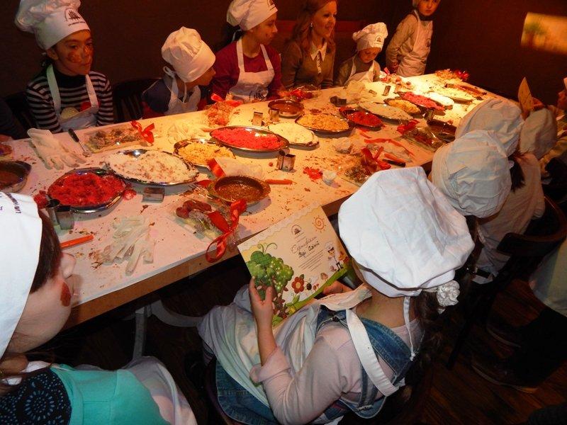 Спонтанний прояв доброти: у Львові влаштували солодкий майстер-клас для малюків, чиї батьки служать в АТО (ФОТОРЕПОРТАЖ), фото-9