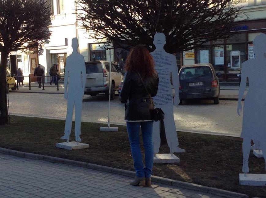 У центрі Львова «невидимі» розповіли про свою важку долю у рабстві (ФОТОРЕПОРТАЖ), фото-2