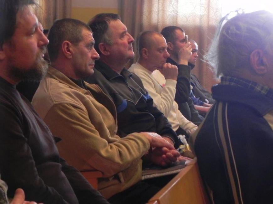 Хор Бортнянского выступил перед ранеными в Черниговском госпитале (фото) - фото 3
