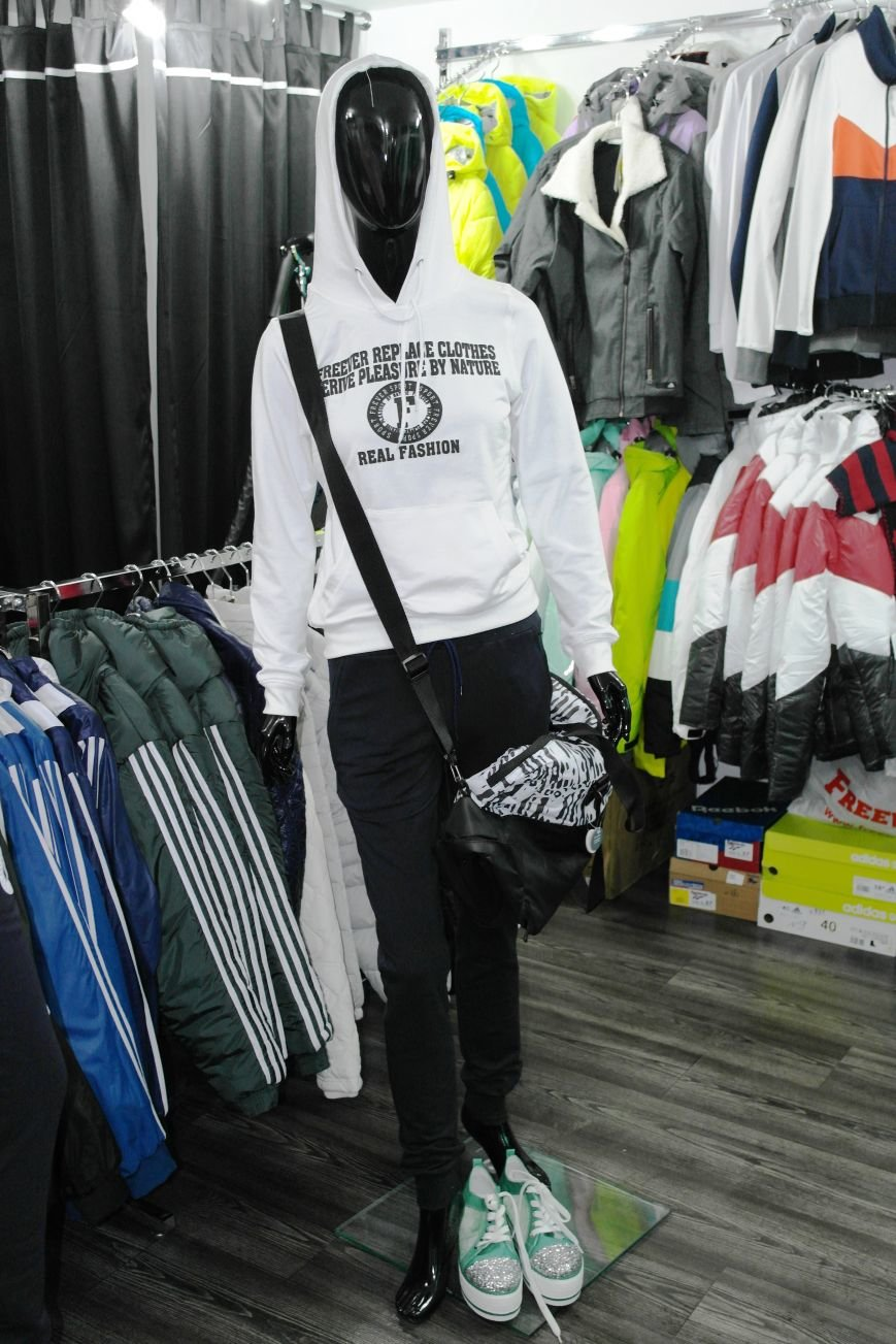 Красноармейский магазин спортивной одежды и обуви «Black  White» – Sport Lady: будь красивой и стильной! (фото) - фото 7