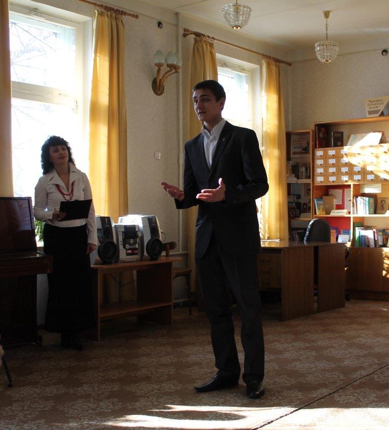 В Артемовске ко дню родного языка шевченковский «Заповіт» прочли на разных языках, фото-7