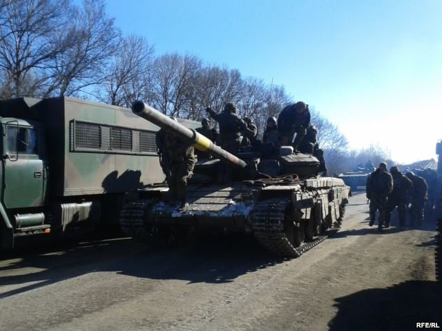 В больницу Артемовска доставили более 100 раненых из Дебальцево (фото) - фото 1