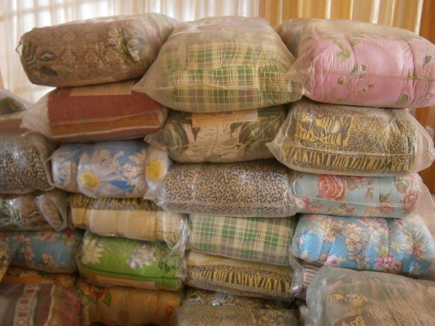 Димитров получил 10 тонн гуманитарной помощи для переселенцев (ФОТОРЕПОРТАЖ) (фото) - фото 10