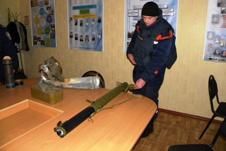 Школу в Черниговской области взорвал местный житель, привезший гранатометы из зоны АТО (фото) - фото 1