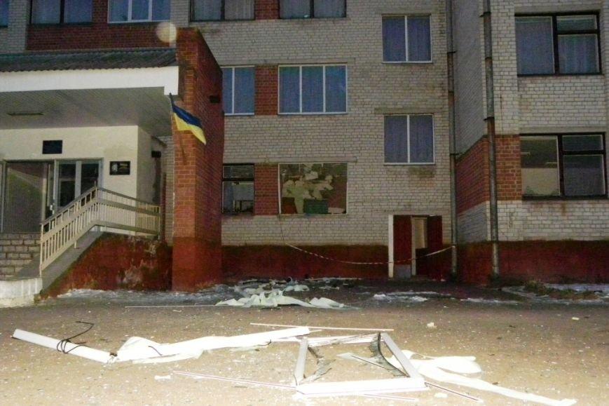 Школу в Черниговской области взорвал местный житель, привезший гранатометы из зоны АТО (фото) - фото 4