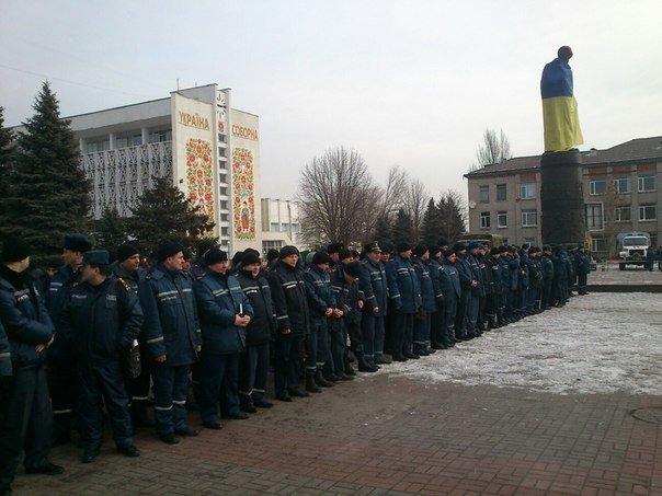 Днепродзержинск демонстрирует возможности по ликвидации чрезвычайных ситуаций (фото) - фото 7