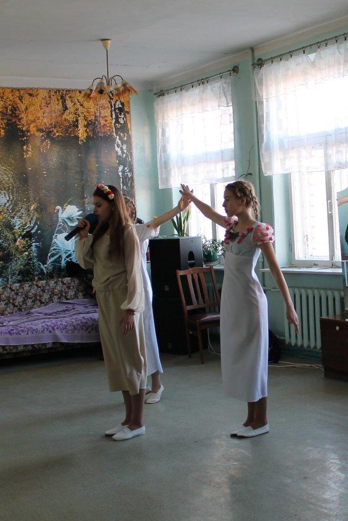 В Артемовске для военных в горбольнице №2 устроили концерт, фото-1