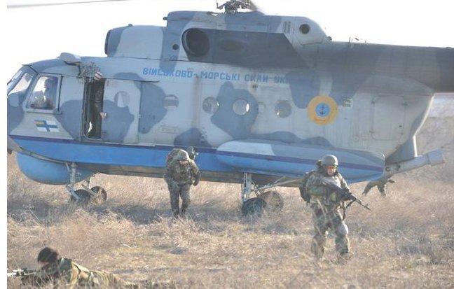 В Одессе военные по учебному заданию подняли в воздух вертолеты (ФОТО) (фото) - фото 1