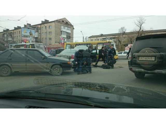 На Галицькій затримали групу «квартирників» (ФОТОФАКТ), фото-1