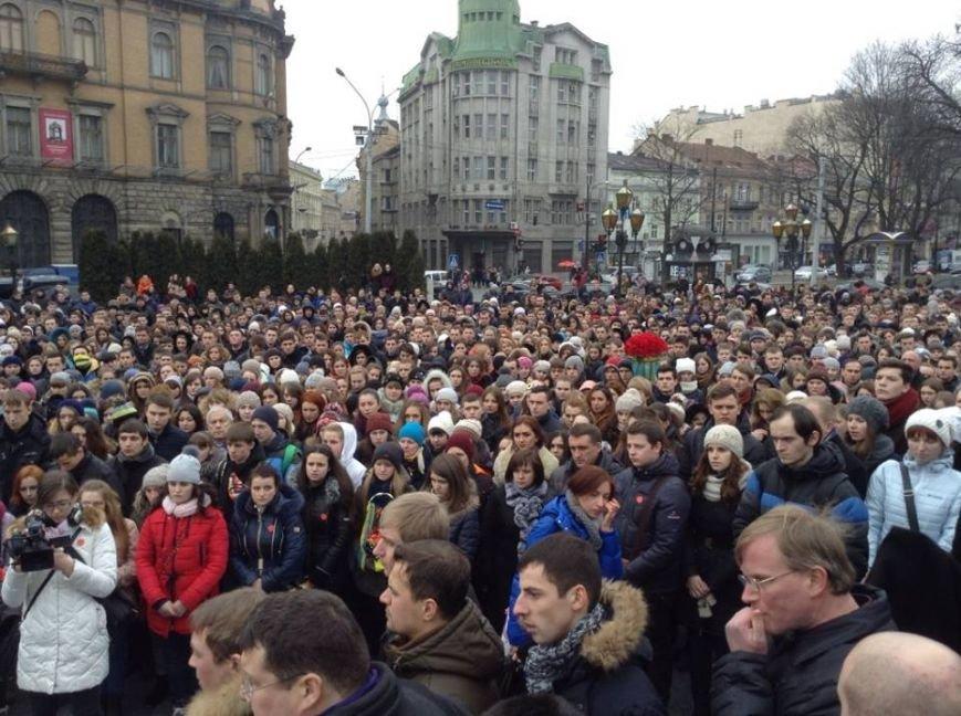 У Львові вшанували пам'ять Героїв Небесної Сотні (ФОТО+ВІДЕО), фото-7