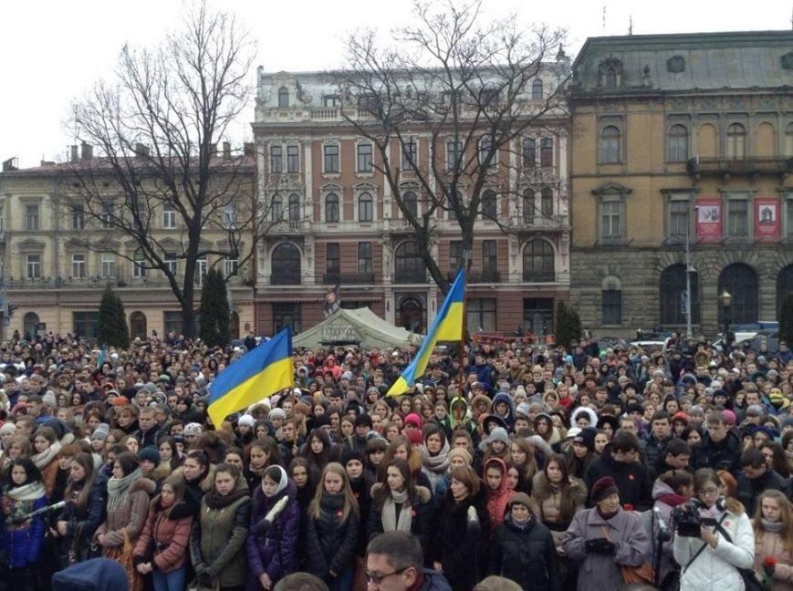 У Львові вшанували пам'ять Героїв Небесної Сотні (ФОТО+ВІДЕО), фото-3