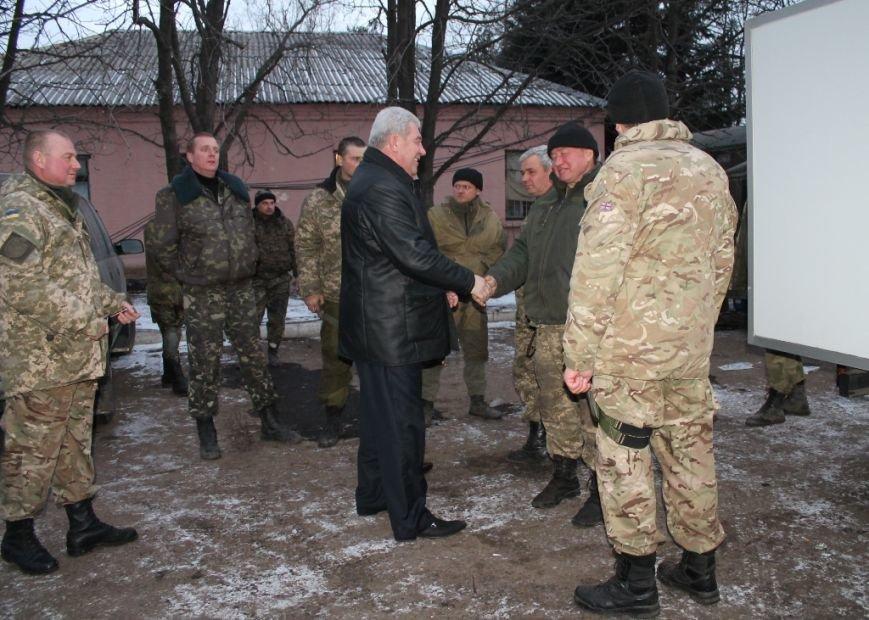 Украинские военные в Артемовске получили продовольствие и предметы первой необходимости, фото-4