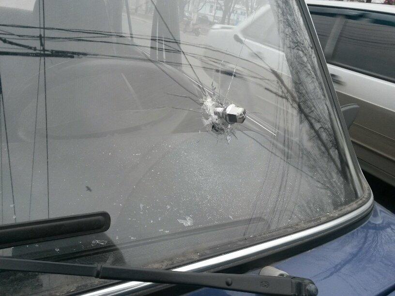 В Мариуполе болт рассорил двух водителей (ФОТОФАКТ), фото-2
