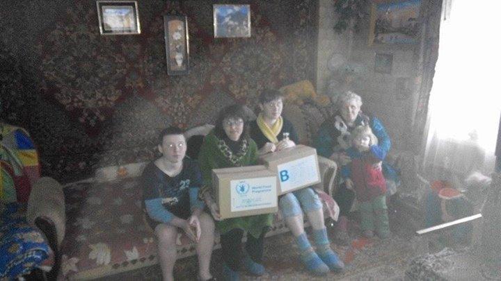 Волонтеры продолжают помогать авдеевцам (фото), фото-4